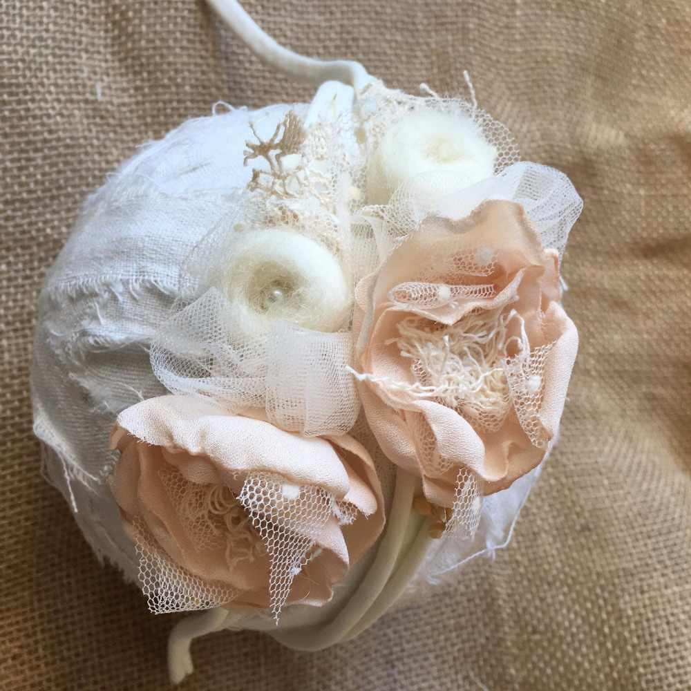 1 Uds recién nacido orgánico tieback tocado Flor de satén fotografía props niñas diadema Primer Cumpleaños corona mamá ducha para niños Tieback