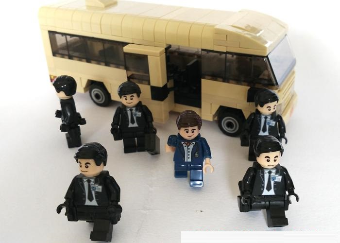 Bodyguard Bus Original Blocks Educational Toys Swat Police Military Weapons Gun Model City Accessories Lepin Mini figures marines weapons original block gun toys swat police military lepin weapons army model kits city compatible lepin mini figures