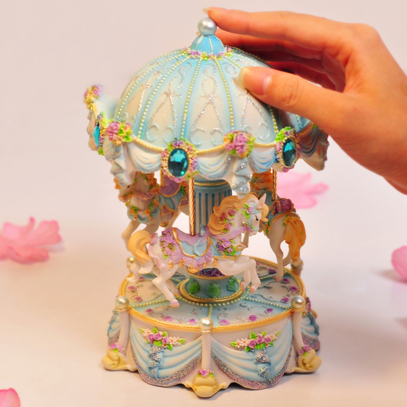 WS الفنون الإبداعية صندوق موسيقي دوار مع LED ضوء وماض الموسيقية صناديق المخرج Chirldren فتاة صديق عيد الحب هدية الكريسماس-في صناديق الموسيقى من المنزل والحديقة على  مجموعة 2