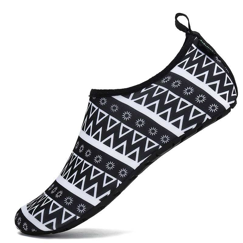 Aqua Shoes Woman Summer Water Shoes Quick Dry Swimming Diving Socks Upstream Shoes Men Beach Sandals Breathable Tenis Masculino