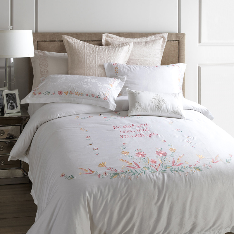 White coverlet king promotion shop for promotional white for Hotel style comforter