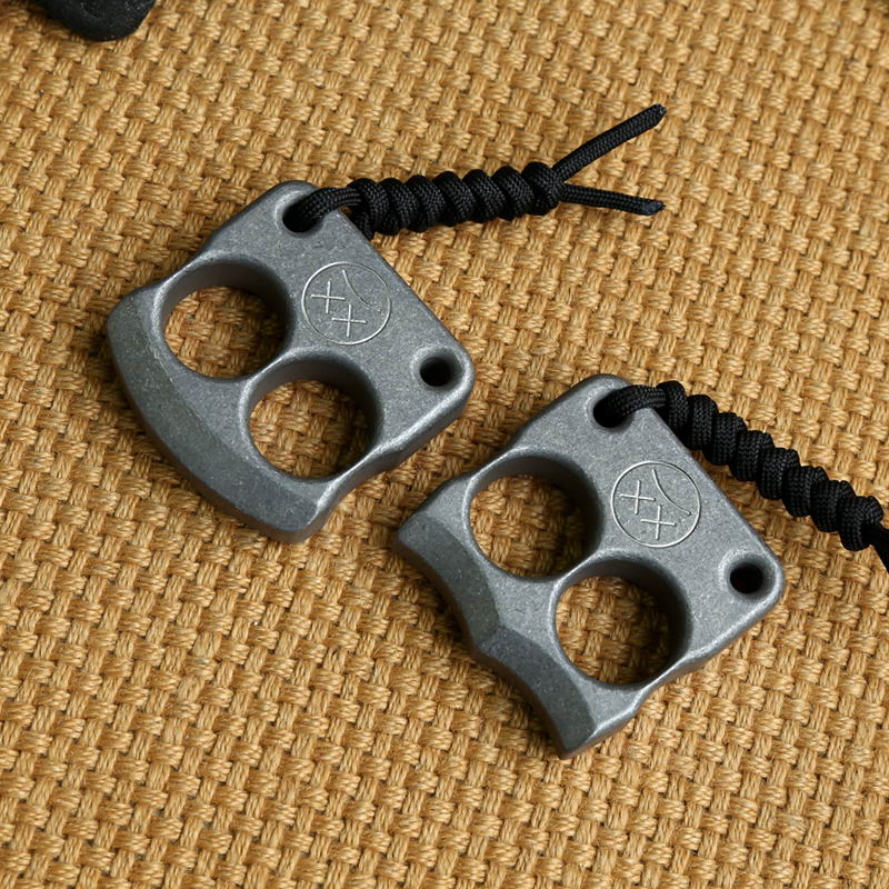 EDC Titanium Alloy Multipurpose Two Holes Tools Meteorite Keychain Outdoors Tools Titanium Spinner Multi Tools tito edc titanium alloy classic gifts for man multipurpose toy tools meteorite keychain outdoors tools titanium spinner