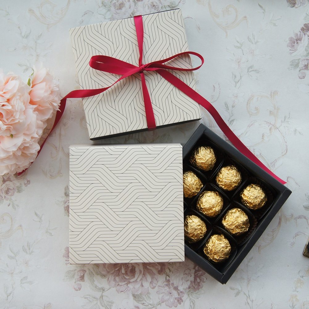 13.1*13.1*3.5cm Wave Simple Theme 10 Set Chocolate Paper Box Valentine Christmas Birthday Gifts Packing Storage Boxes