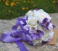 Romántica Boda de la Novia Que Sostiene La Flor Ramo de La Boda de dama de Honor Nupcial Blanco Púrpura Flores Artificiales Inicio Decorativo Arreglos Florales