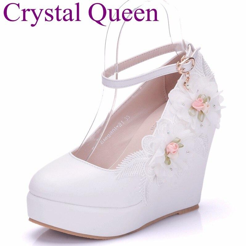 Crystal Queen Woman White Wedding Shoes High Heel Wedges Platform Shoes  Pumps Fashion Design Flower Lace d9b5ef9cbd6b