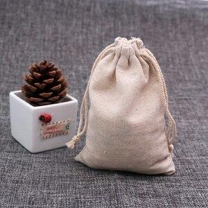 Image 2 - 100 pz/lotto Colore Naturale Sacchetti di Cotone Piccolo Lino Gift Bag Con Coulisse Mussola Sacchetto Braccialetto Gioielli Packaging Borse Sacchetti