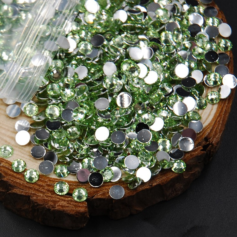 Hot Peridot / Light Green Nail Art Diamond Nail Art Deco Light Rhinestone Nail Jewelery Tips