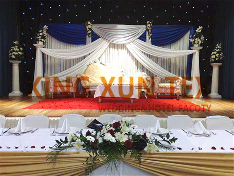 Toile de fond blanche rideau \ fond de scène avec bleu Royal et argent drapé Swag pour la décoration de mariage