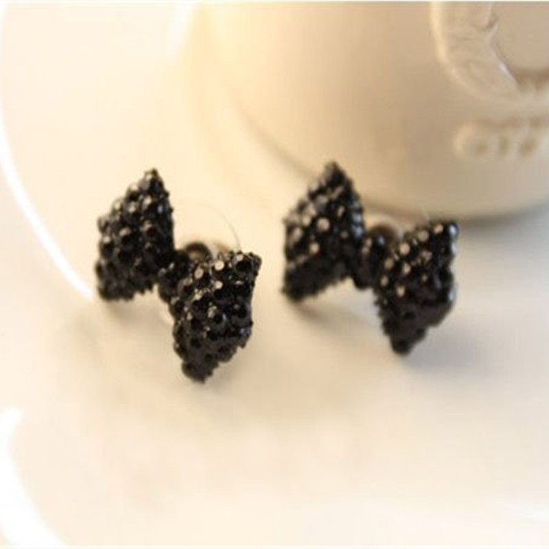 2016 Korean jewelry full single black earrings free shipping fashion butterfly Fangzuan