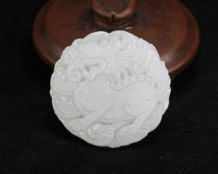 Véritable pendentif en pierre naturelle Afghanistan pierre blanche kylin marque de pierre amoureux des hommes et des femmes