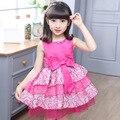 Vestido de niña de Verano 2017 Nuevo Vestido Sin Mangas Lindo Arco de Flores Vestidos de Princesa Niñas Ropa Elegante