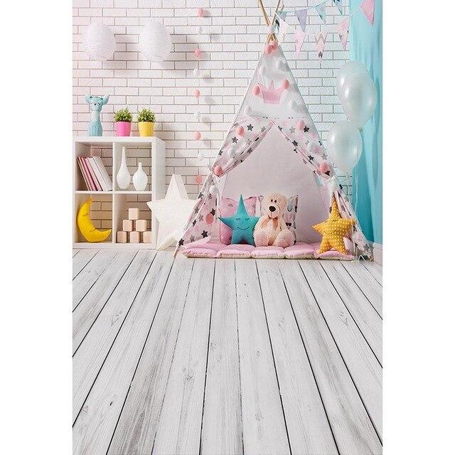 Intérieur bébé fille tente photographie toile de fond blanc brique mur imprimé ballons jouet ours étoiles enfants Photo fond