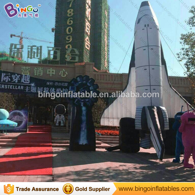 купить Free Delivery 8 Meters high giant inflatable spaceship replica advertising type blow up plane model for decoration toys дешево