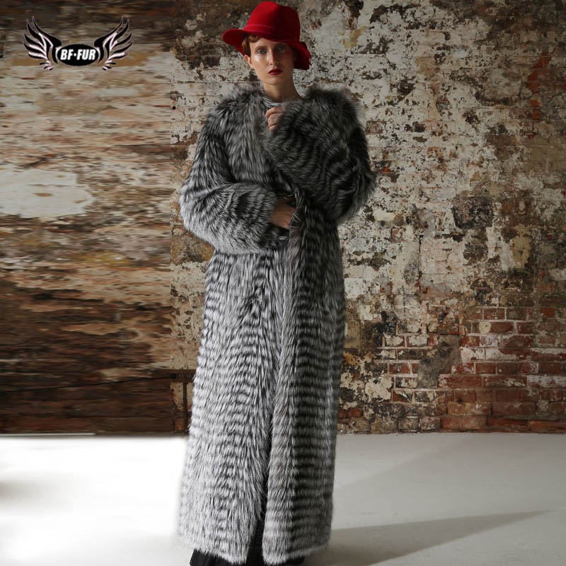 Natural Fur Coats Snowsuit Women Coats 2018 Winter Luxury Brand Jacket Long Coat Women Whole Skin O-Neck Park With Natural Fur