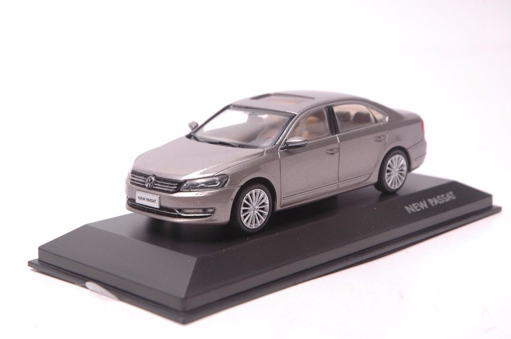 1:43 Diecast Model for Volkswagen VW Passat Brown Alloy Toy Car Miniature Collection Gifts 1 18 diecast model for volkswagen vw phaeton w12 6 0 sedan alloy toy car miniature collection gifts