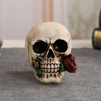 Personalized Resin Skull Handicrafts Creative Design Mouth Bite Rose Skull For Home Decorations Furnishing Accessories 8188