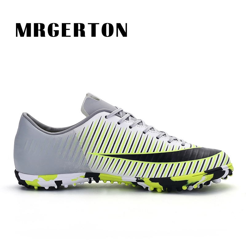 13776bea4da Men Soccer Shoes Indoor Futsal Shoes Boys Football Boots Zapatillas Deporte  Mujer Chaussure De Foot -in Soccer Shoes from Sports   Entertainment on ...