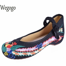 Wegogo винтажным цветочным Женская обувь на плоской подошве повседневная старого Пекина модные парусиновые туфли для женщин Балетки на плоской подошве Большие размеры 41