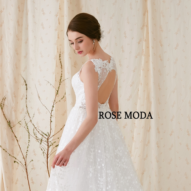 Купить с кэшбэком Rose Moda Delicate Chantilly Lace Wedding Dress Backless V Neck Lace Wedding Dresses Sweep Train