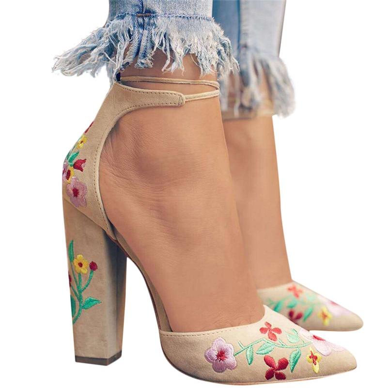 b4faf675c Do Bordado As Black Flor Alta Apontado Zapato Mulheres Sapatos Silvestres  Vintage Bruta salto Femininas Shoes ...