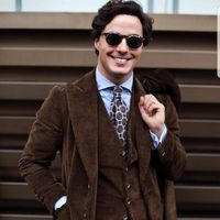 2018 Tailor Made New Brown Corduroy Velvet Men Suit Formal Blazer Slim Fit Gentle Jacket Custom Tuxedo Business 3 Pieces Suits