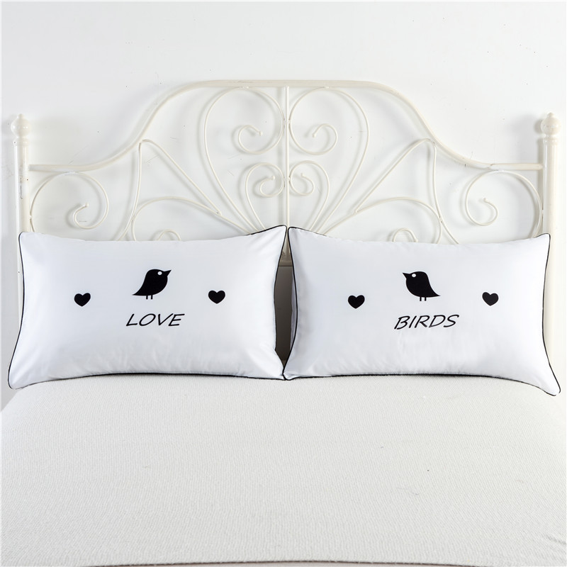 2 Pcs/Set Lovely King And Queen Bedding Outlet Pillow Covers Couples Pillowcases Anniversary Wedding Gifts Bed Pillow Accessory