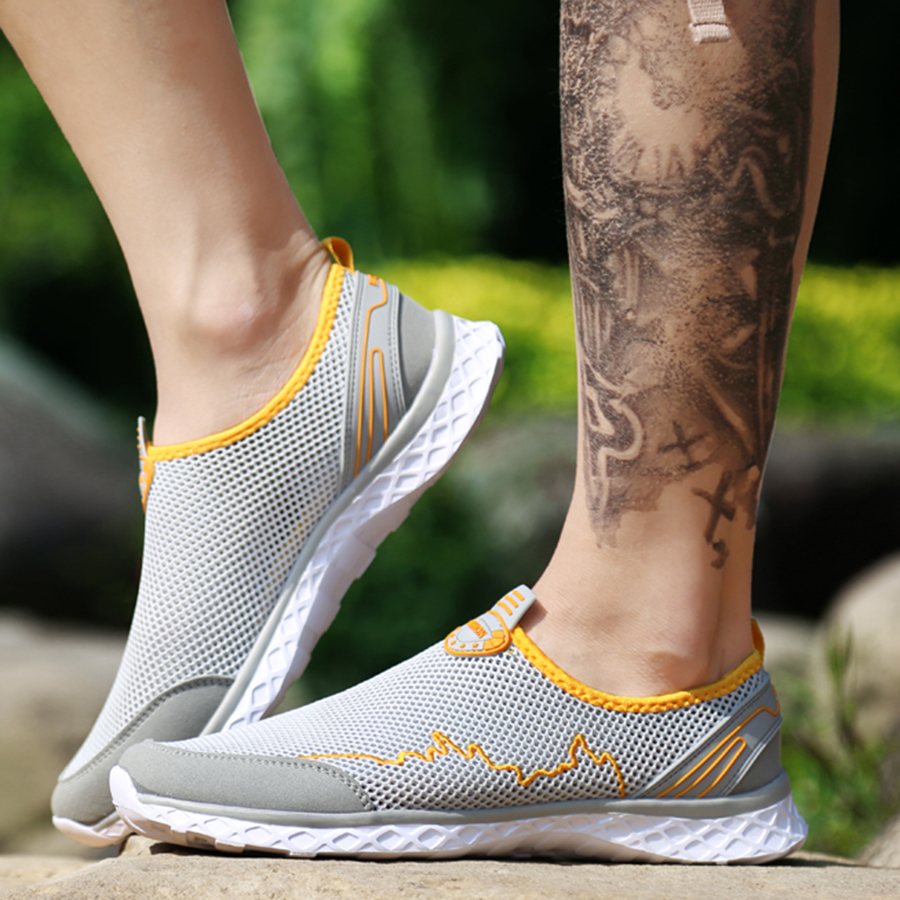 Men Shoes Summer Mesh Breathable Water Shoes Walking Footwear Lightweight Man Tenis Big Sizes 46 Sneaker light Insole with holes