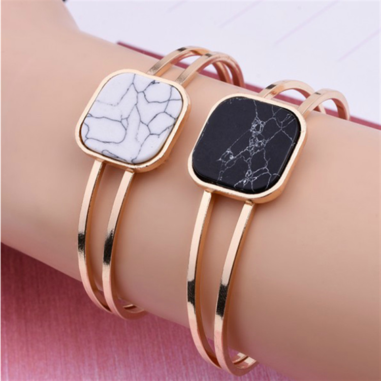 Hot Gold Bracelet Fashion Women Black White Square Stone Love Ladies Hand Bangles Best Jewelry Gifts