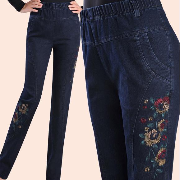 1300df52f97 Primavera y otoño pantalones vaqueros femeninos alta cintura elástica más  tamaño 5xl de las mujeres bordadas