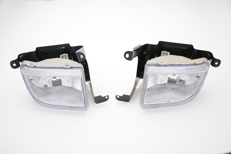 2 Pcs/Pair driving fog lights front bumper fog lamps for Suzuki Forenza 2004-2008