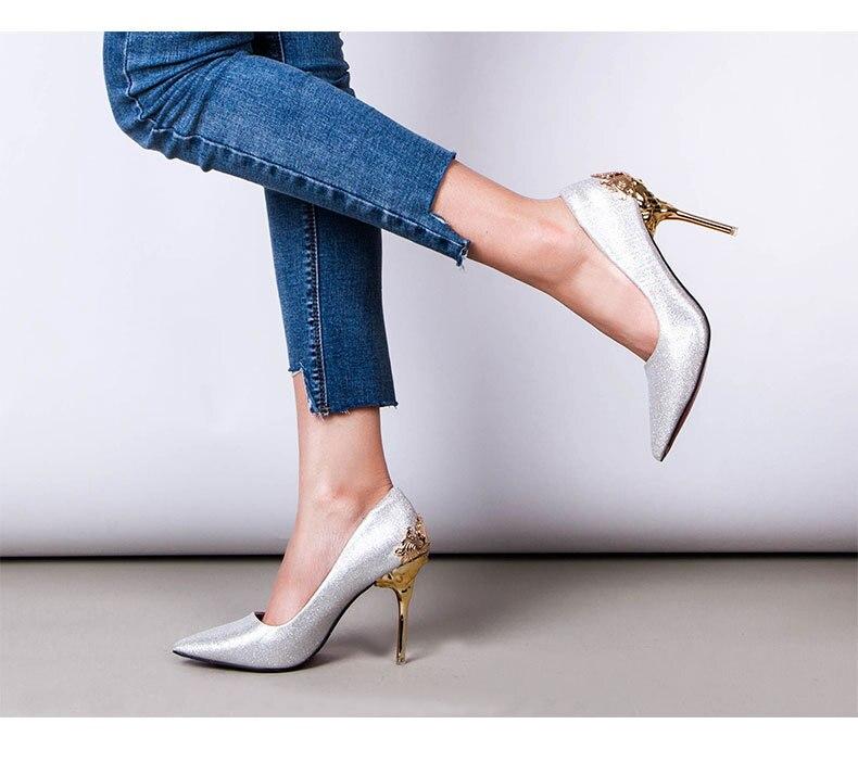 2019 nuovo arrivo Scarpe A Punta Ufficio Solido Affollano i Tacchi Alti di alta qualità del latte di colore bianco-in Pumps da donna da Scarpe su  Gruppo 2