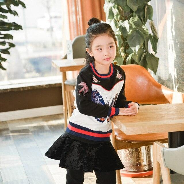 2017 новые весна осень Девушки Дети Весна вышитые бабочки свитер рубашку комфортно милый ребенок Одежда Детская Одежда