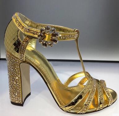 Hot Selling Gold Elegantie Vrouwen Crystal Vierkante Sandalen T-strap holle open teen Trouwjurk Schoenen