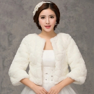 Image 1 - 2020 inverno noiva envoltórios de pele do casamento, jaqueta bolero de noiva baratos, tampas xale, tamanho grande, jaquetas de casamento, bolero de pele falsa