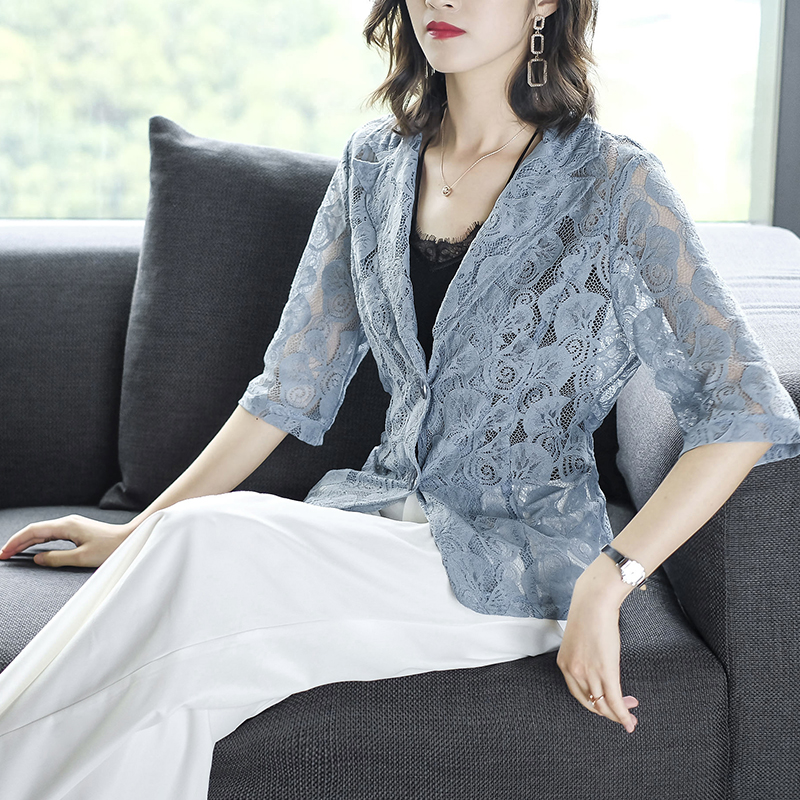 2019 Summer New Five-Point Sleeve Thin Section Slim Openwork Lace Small Suit Jacket Female