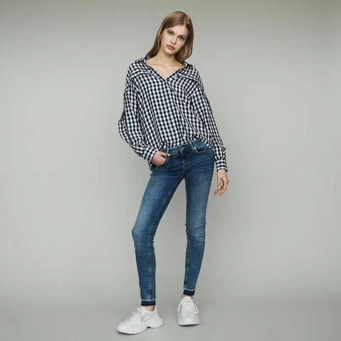 2019 nouveau noir et blanc plaid goutte épaule manches dentelle blouse décorative