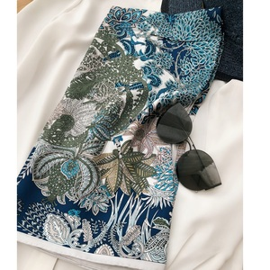 "Image 1 - מדהים כחול הדפסי 100% משי צעיף חיג אב ראש צעיפים לנשים אופנה צעיפי צעיף צעיף 35"""