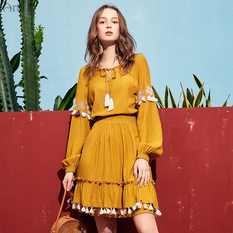 ARTKA 2019 Spring New Women Long Sleeve Dress Vintage Style Fashion Slim Waist Solid Color Tassel