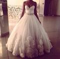 Romantic marfil cariño sin tirantes de tul con cuentas Sash vestido de boda con la falda Rosette 2016 por encargo