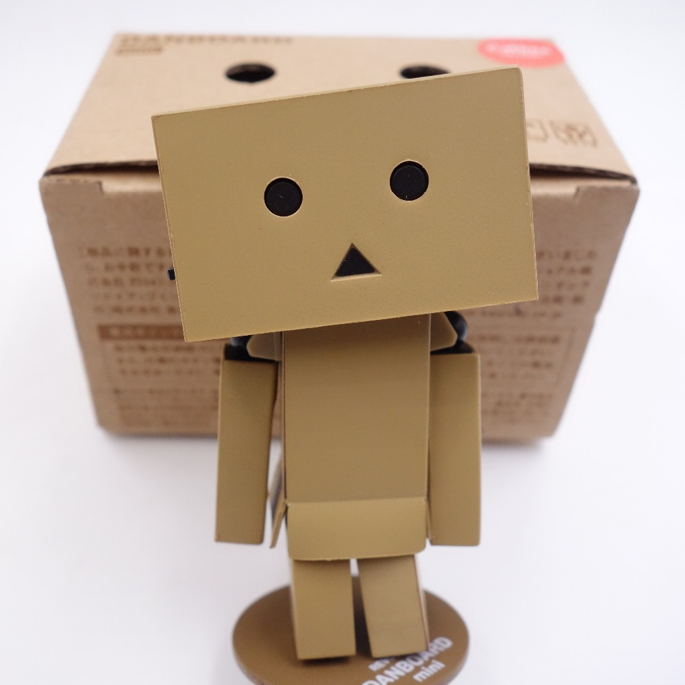 High Quality Lovely 8cm Mini Danboard Danbo Doll Pvc Action Figure Toy With Led Light Classic Toys  ACG action figure
