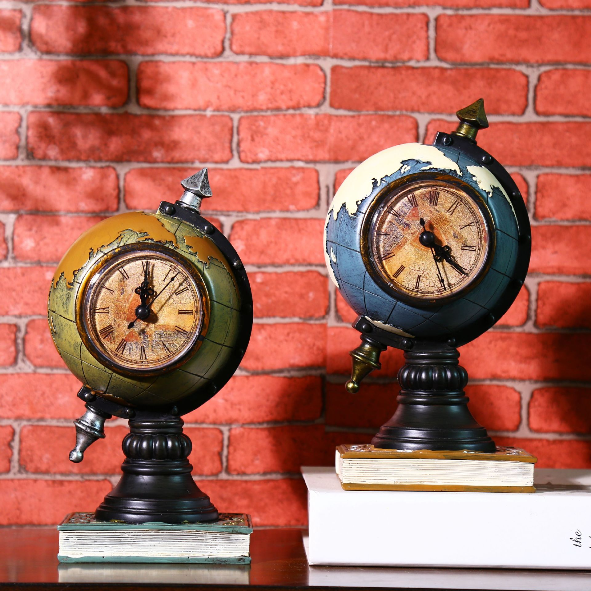 Accessories No 03 Clocks: Retro World Globe Vintage Table Clock Home Decoration
