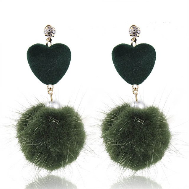 Новые Симпатичные Сердце Искусственного Меха Мяч Падение Мотаться Серьги Женщины Модные Аксессуары 3C5035
