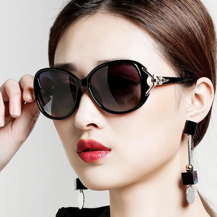 2018 New Fashion Fox Head Sunglasses Trend Women Round Face Korean
