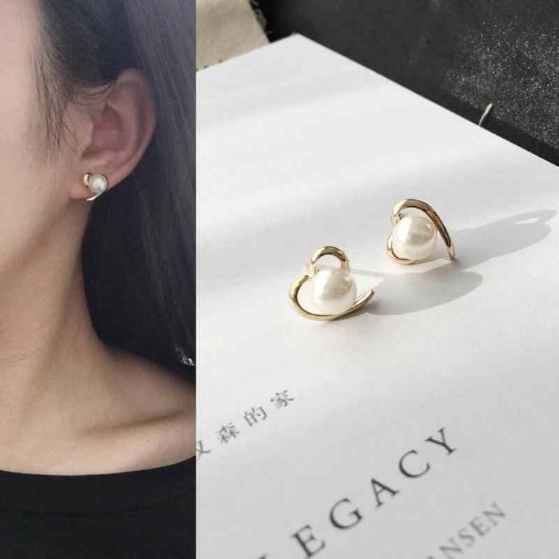 Hot Peach Heart Love Pearl Simple Personality Fashion Glide Earrings Jewelry Triangle Pearl Stud Earrings For Women Brincos