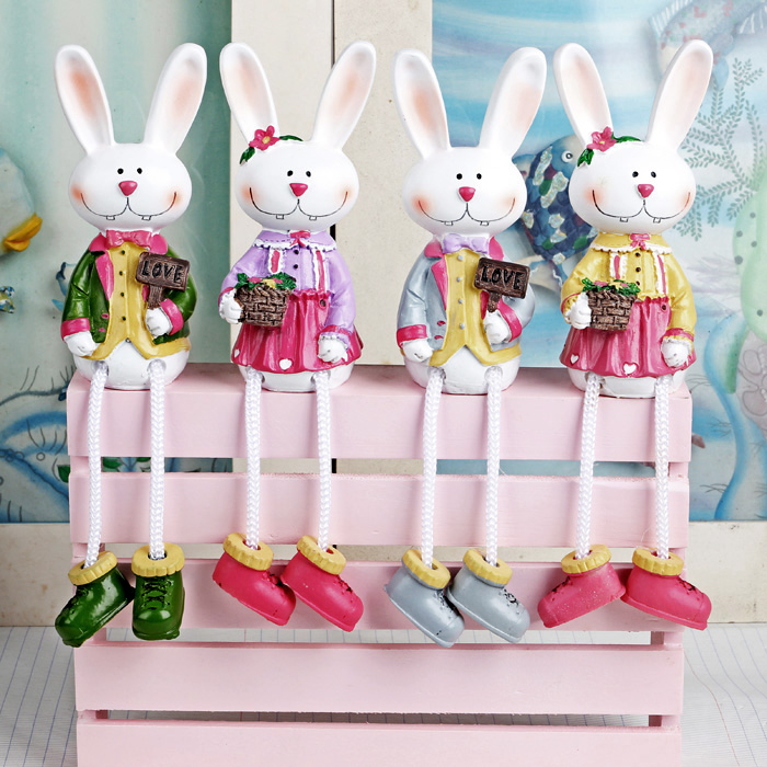 Hot sell cartoon rabbit doll hanging feet resin craft for Wedding crafts to make and sell