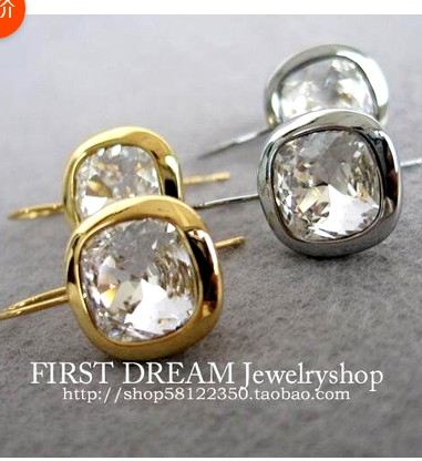 цена на HOT SEELING fashion DYRBERG/KERN Exquisite Flash drill small Square crystal earrings IN STOCK