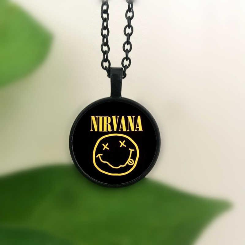 WUSQWSC rock band banda nirvana sorriso pingente de vidro de cristal colar de jóias por atacado