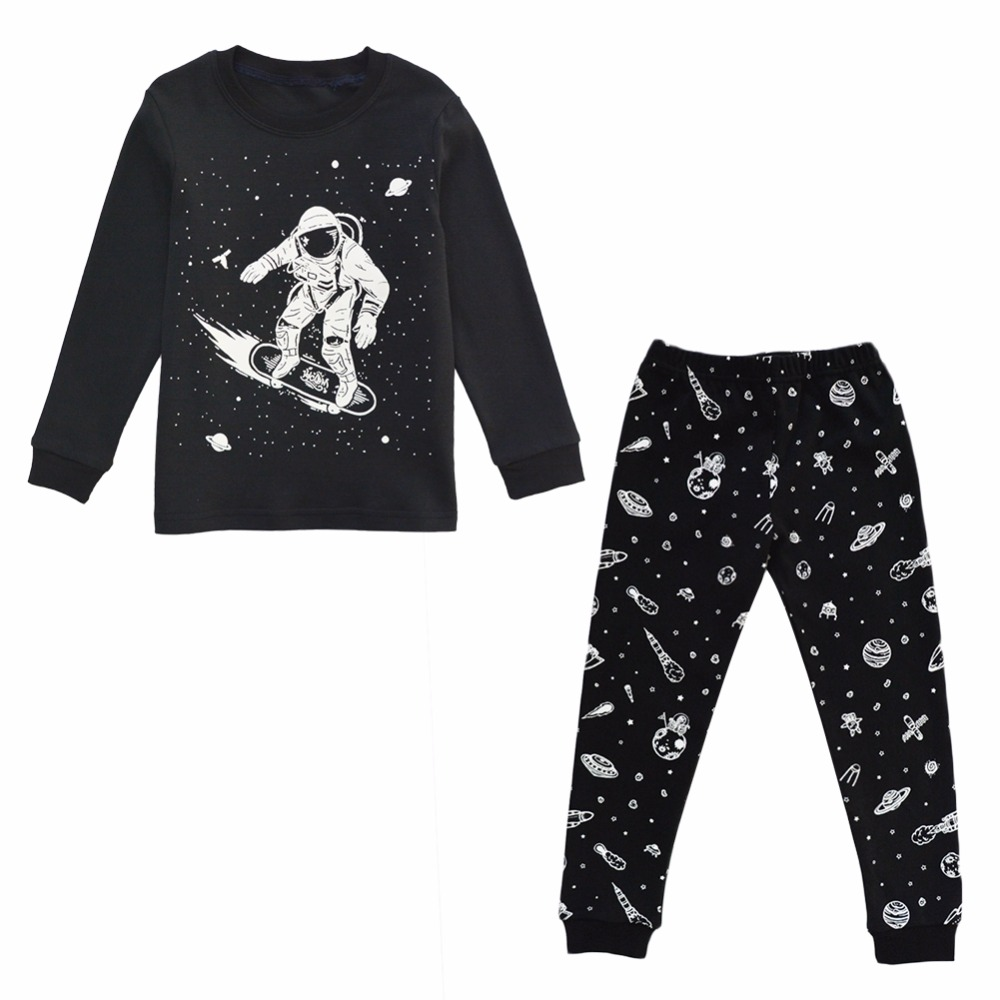 BINIDUCKLING 2018 New Arrival Autumn Boys   Pajamas     Set   Black Outer Space Pattern Sleepwear   Set   CottonT-shirt+pants 2pcs 1Set
