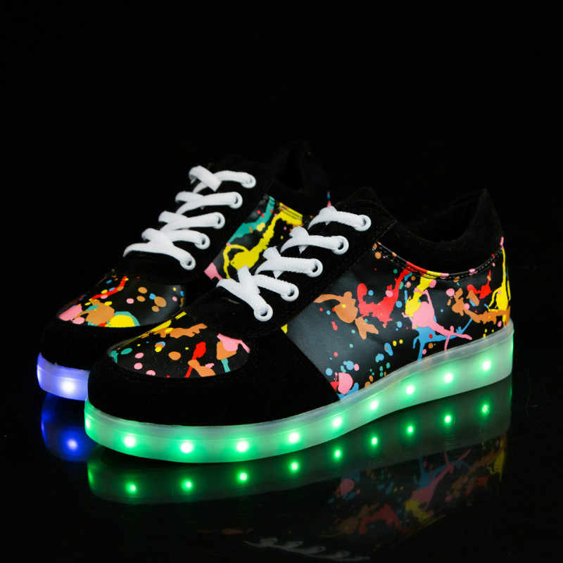 New Children USB Charger Glowing Sneakers Boys Led Luminous Lighting Shoes Men Women Girls Lighted Up Casual Kids Sneakers