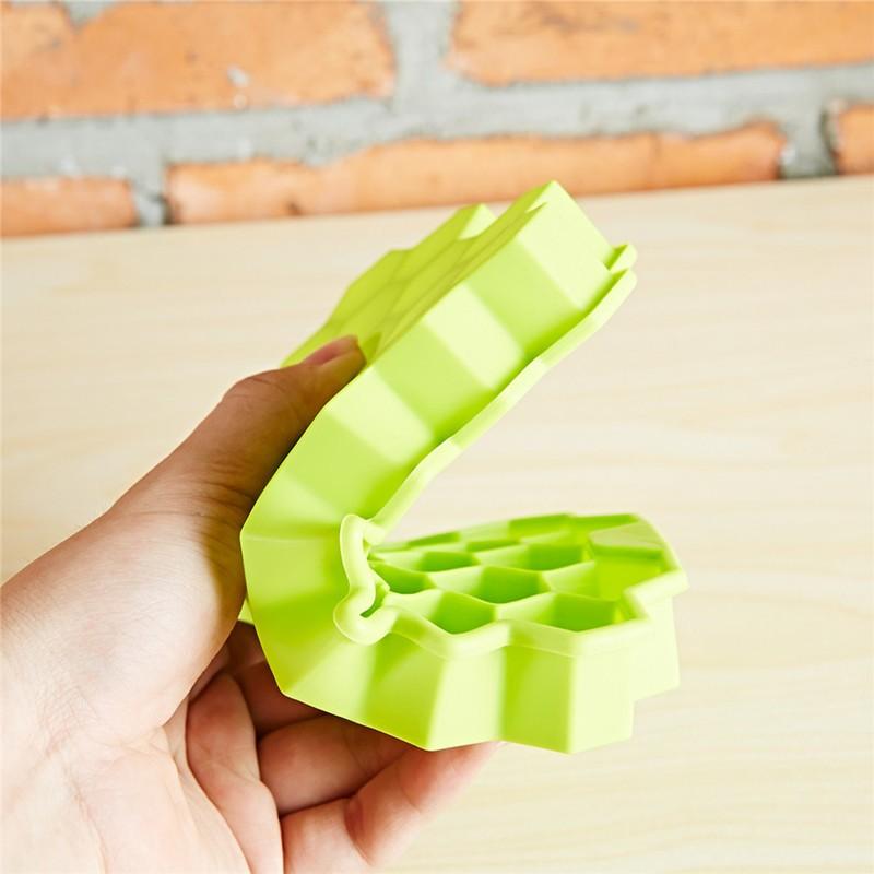 1pcs-Silicone-Honeycomb-Modeling-Cake-Chocolate-Mold-Ice-Tray-Cube-Lego-Bee-Honey-Ice-Maker-Mold (3)
